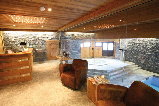 six spas de r f rence dans les alpes france montagnes site officiel des stations de ski en. Black Bedroom Furniture Sets. Home Design Ideas