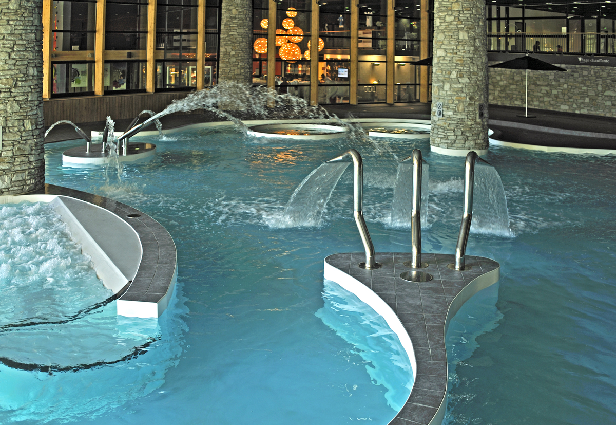 Spa de montagne 15 spas d couvrir en stations de ski for Piscine de france