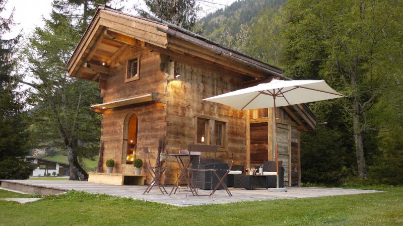 le glamping d barque en montagne france montagnes site officiel des stations de ski en france. Black Bedroom Furniture Sets. Home Design Ideas